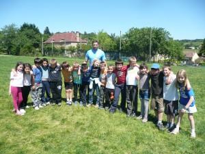 Eden initie les jeunes écoliers couxois à la pratique du rugby